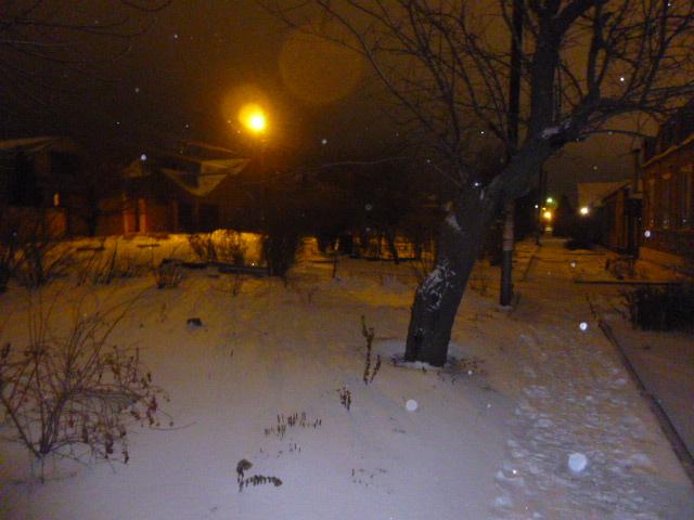 В Таганроге выпал снег улица Литейная