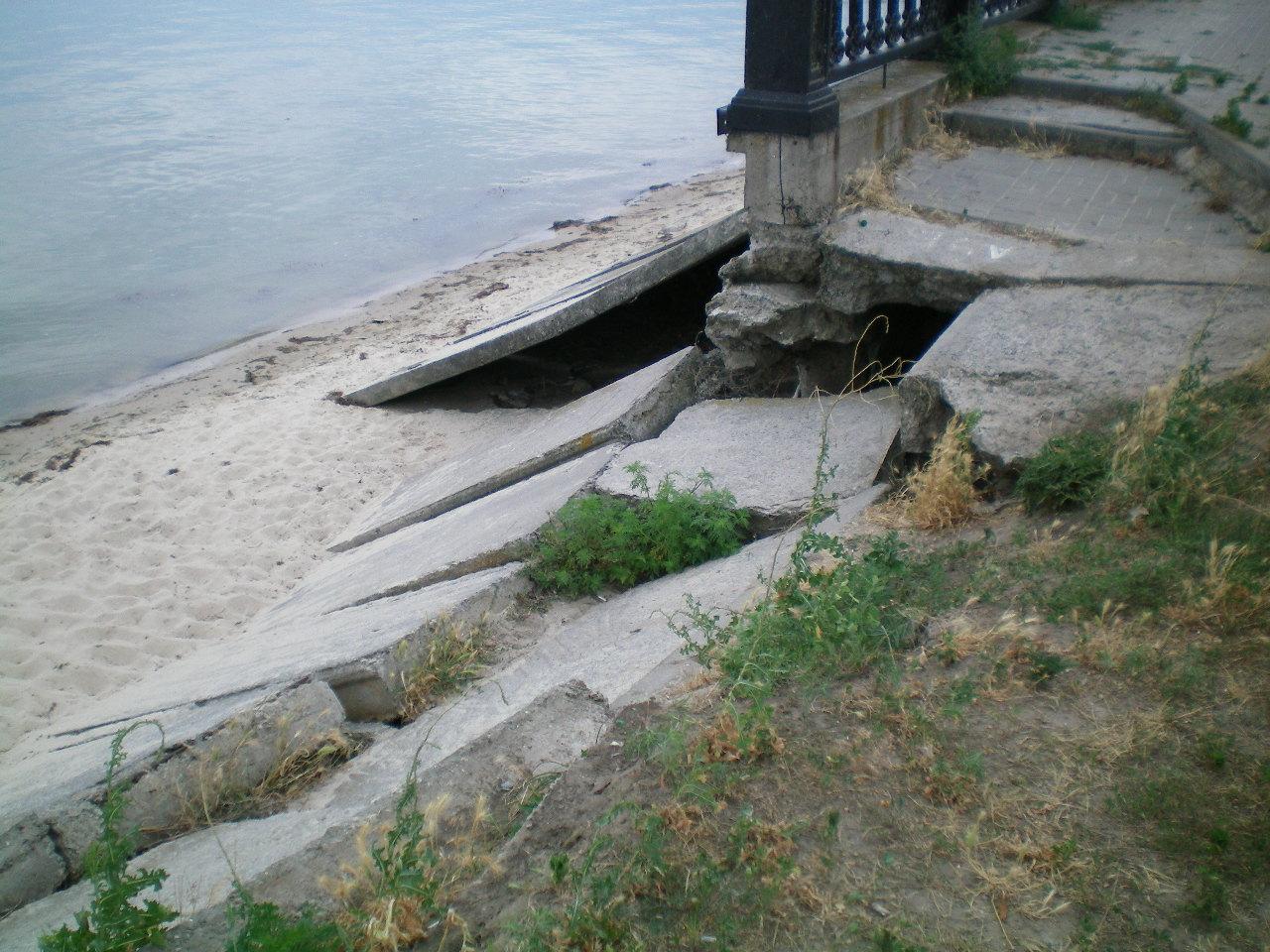 Пушкинская набережная - место больших разрушений