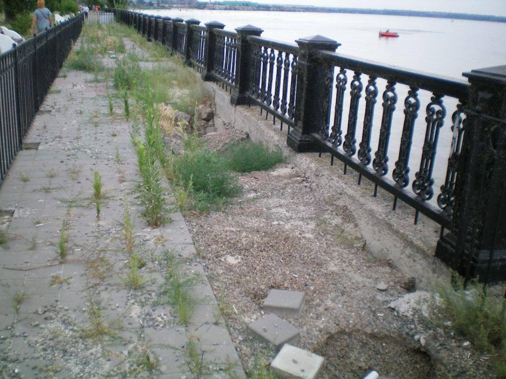 Пушкинская набережная - разрушенная пешеходная зона