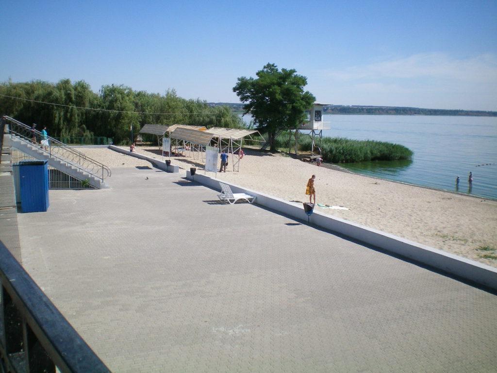 Пляж гостиницы Приазовье Таганрог