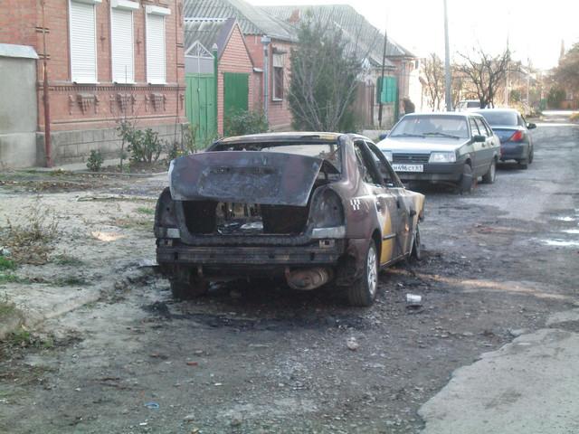 Сгорел автомобиль в Таганроге