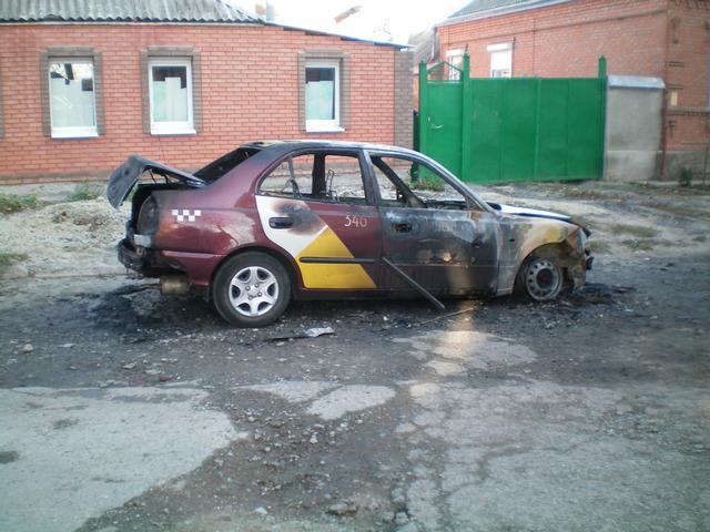 Сгорел автомобиль такси