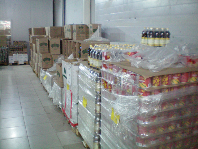 Расстановка товара в магазине Маяк