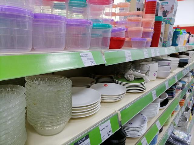 Стеллаж с посудой в магазине Fix Price