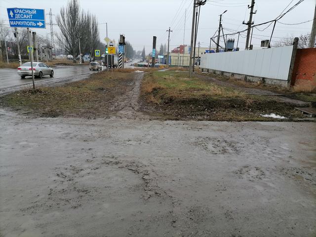 Тротуар на Поляковском шоссе в Таганроге