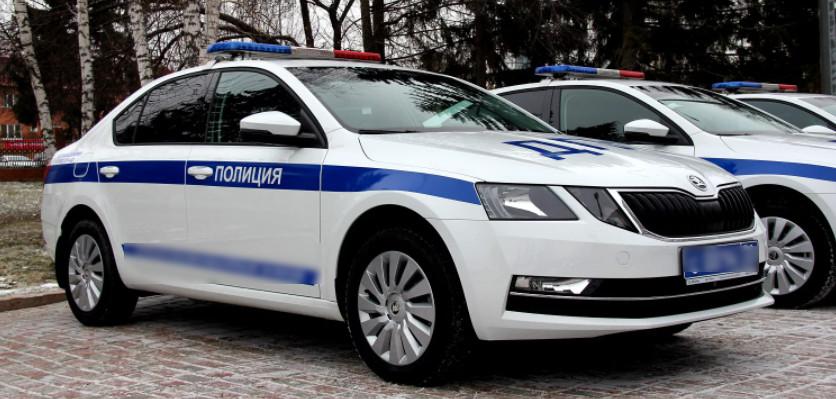 Таганрогские сотрудники ДПС просят помочь установить личность водителя совершившего ДТП