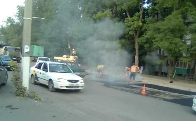 В Таганроге решили отказаться от подрядчиков плохо ремонтирующих дороги