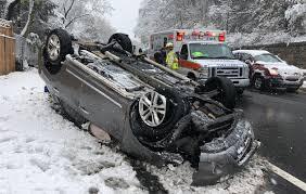 На 7-м Новом пер. в Таганроге перевернулся автомобиль