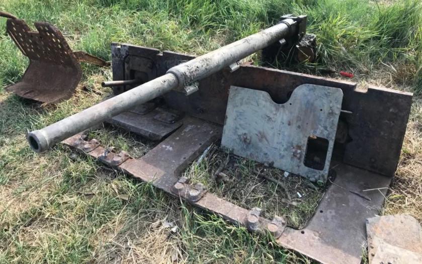 Со дна реки Миус поднято противотанковое орудие