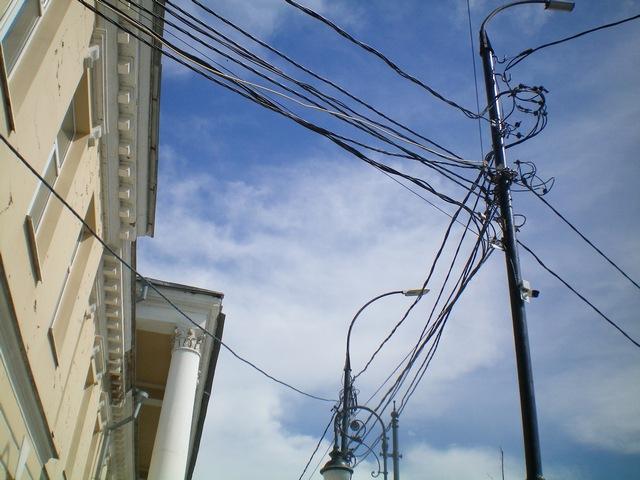 Улица Петровская в Таганроге в процессе реконструкции получила современные фонари освещения